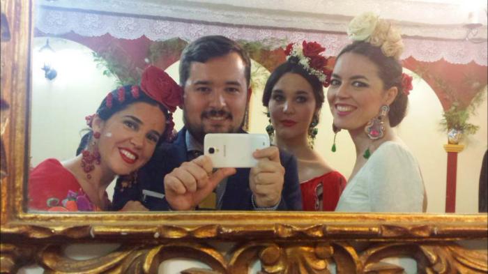 Quedada de bloggers flamencos: Elena Rivera, Cayetano Gómez, (servidora) y Claudia Alfaro